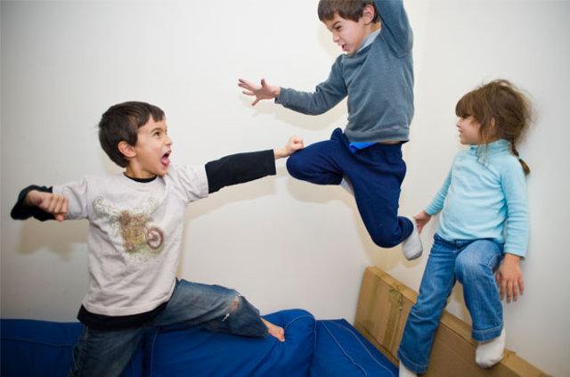 Kardeş kavgaları ile nasıl baş edilir?