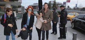 Selin Denizli ve Abdullah Burnaz çifti çocuklarıyla