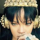 Rihanna yeni albümünü 27 bin TL'lik kulaklıkla dinledi