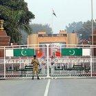 Hindistan-Pakistan sınırına tel örgü