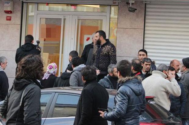 Okmeydanı'nda silahlı ve maskeli 2 kişi bankayı soydu!