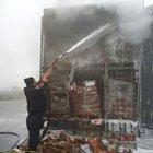 Düzce'de çikolata yüklü TIR'ın dorsesinde yangın çıktı