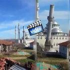 Eski minarenin yıkım anı amatör kameraya böyle yansıdı