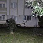 Evlerinin balkonundan atlayıp intihar etti