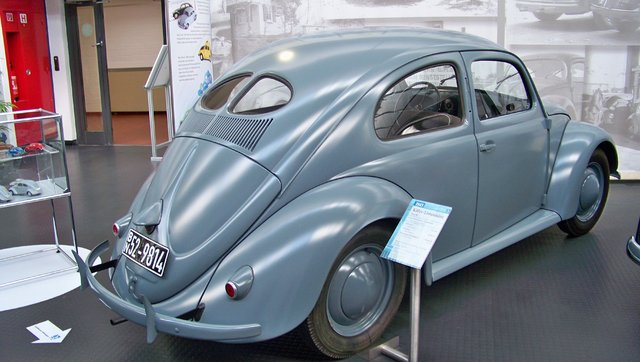 Ford Galaxie ve Split Window Beetle Koç Müzesi'nde!