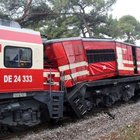 Manisa'da iki tren kafa kafaya çarpıştı: 2 yaralı