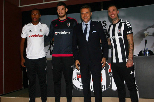 Beşiktaş imza töreni