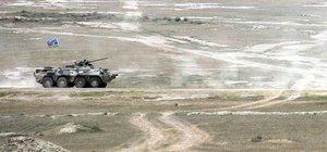 Azerbaycan ordusu Ermenistan mevzilerini vurdu