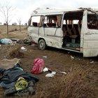 Suriyelileri taşıyan minibüs devrildi: 1 ölü, 19 yaralı