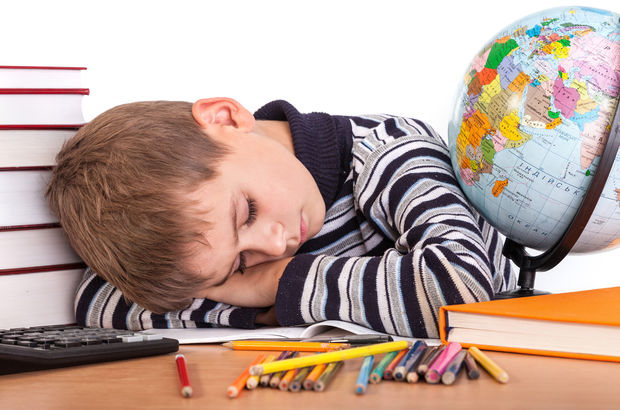 Çocukların tatilde bozulan uyku düzeni için ne yapılmalı?
