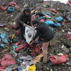 'Türkmenler için toplanan yardımlar çöplükten çıktı'