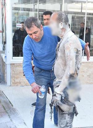 Antalya'da kendini yakan Akın Ulaş yaşamını yitirdi