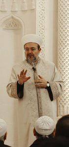 Görmez: Din görevlilerinin haneleri tecavüze uğradı, ibadethaneler hedefte
