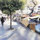 Kadıköy'de izinsiz olduğu iddia edilen iş yerleri yıkıldı