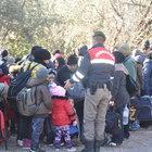 Ayvacık'ta 72 kaçak göçmen yakalandı