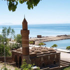 500 yıllık caminin duvarındaki taşı çaldı'