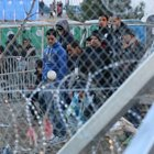 Makedonya'dan 35 kilometre jiletli tel önlemi