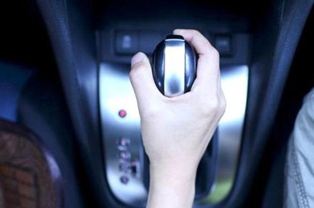Boş vitesle yokuş aşağı giden otomobil daha mı az yakar?