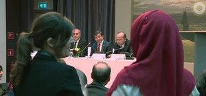 Ahmet Davutoğlu işaret diliyle anlattı