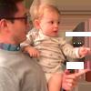 Babasının ikizini gören sevimli çocuğun şaşkınlığı