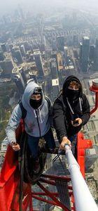 384 metrede çılgınlığın sınırını zorladılar