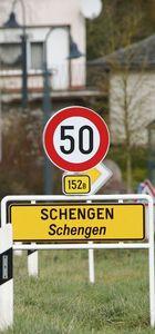 AB, Schengen sisteminin ciddi tehlike altında olduğunu açıkladı