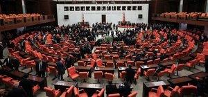 AK Parti'nin Anayasa'da fireyi önleme taktiği: Açık oy