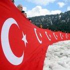 Kahramanmaraş'ta şehitler için 150 metrelik Türk bayrağı
