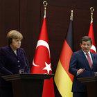 Ahmet Davutoğlu'ndan Merkel ile PYD görüşmesi