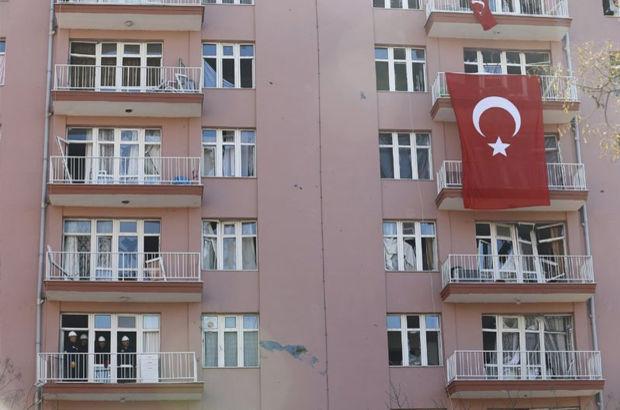 Ankara'da patlama yerindeki binalara Türk bayrağı asıldı