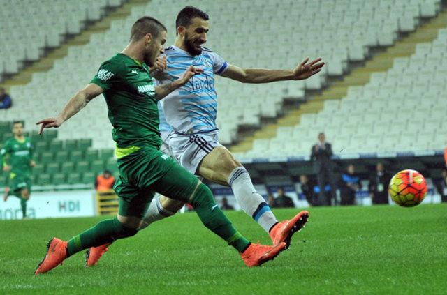 Bursaspor-Fenerbahçe maçının devre arasında sulama krizi