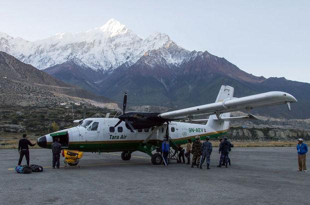 Nepal'de kaybolan yolcu uçağının enkazı bulundu, 23 yolcu hayatını kaybetti