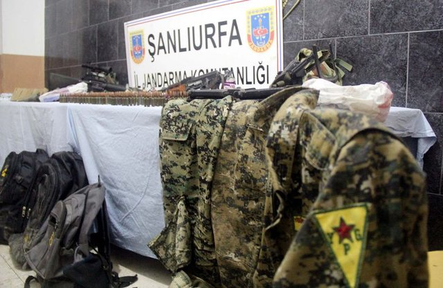 YPG'nin keskin nişancıları sınırda yakalandı