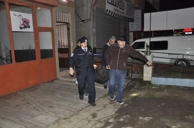 Bursa'da Çetin Bayrak'ın cesedi evinin merdivenlerinde bulundu