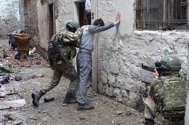 Sur'da güvenlik güçlerine