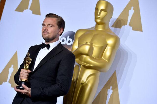Oscar'ın en kötü giyinenleri!
