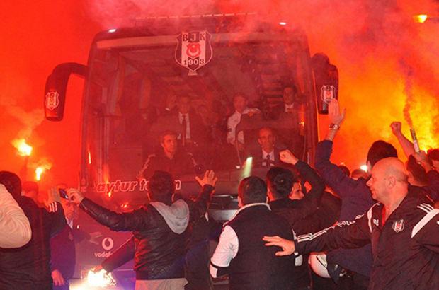 Fenerbahçe'ye 2-0 mağlup olan Beşiktaş'a taraftar morali