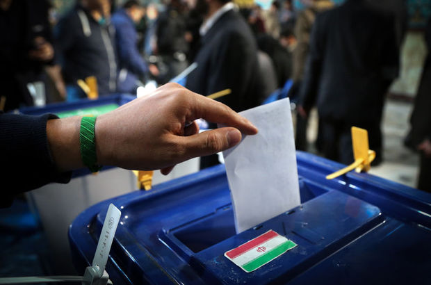 İran seçimlerinde reformcular ciddi üstünlük sağladı