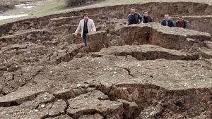 Sivas'ta köylüleri korkutan heyelan