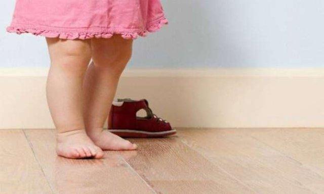 Çocuklar ne tür ayakkabılar giymeli?