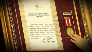 Şah Fırat şehidinin oğlu Mustafa Alp Erdoğan'dan madalya alacak