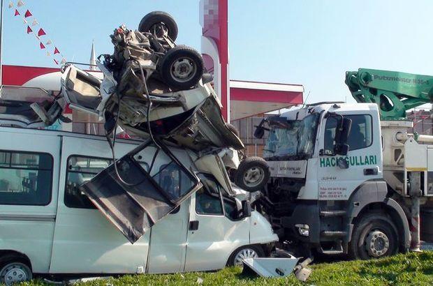 Tuzla'da beton iş makinesi 8 aracı biçti, 7 öğrenci yaralandı
