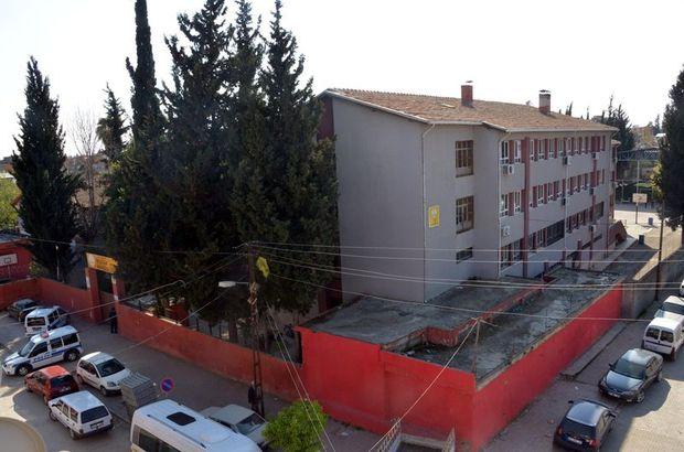 Adana'da selfie çekmek için okul çatısına çıkan öğrenciler 'terör' alarmına neden oldu