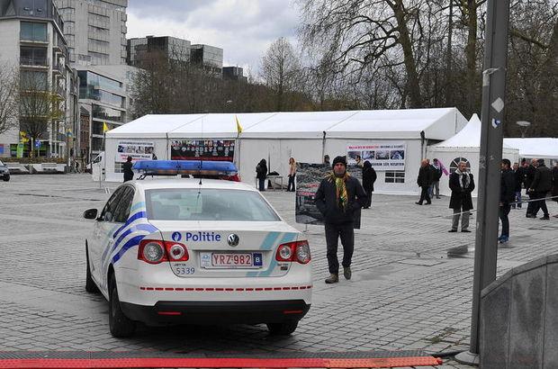 Brüksel'deki PKK terör örgütüne ait çadır kaldırıldı