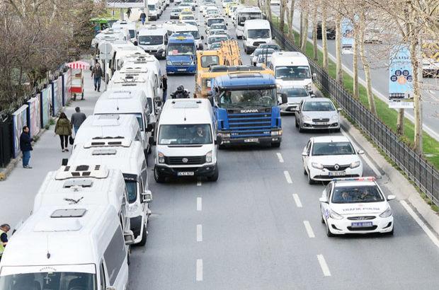 İstanbul trafiği servis kuşatmasında