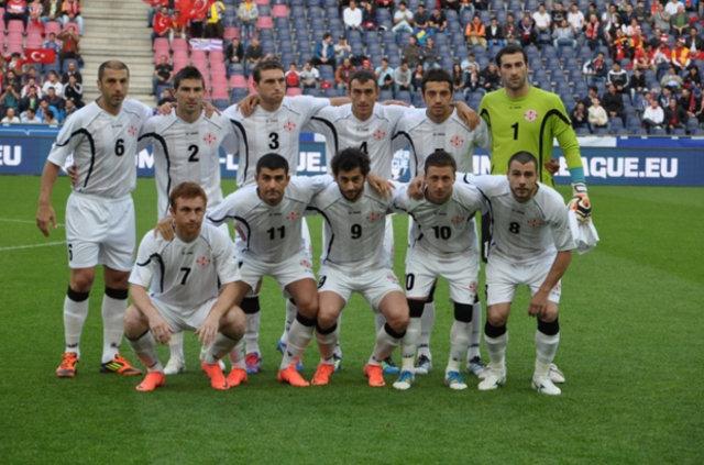 EURO 2016 öncesi milli takımlar hazırlık maçlarında kozlarını paylaştı. Fransa-Rusya maçında Payet'in frikiği geceye damga vurdu