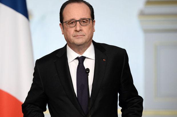 Hollande anayasa değişikliği tasarısını geri çekti