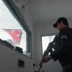 """POLİSE """"SUR"""" GİBİ KULÜBE!"""