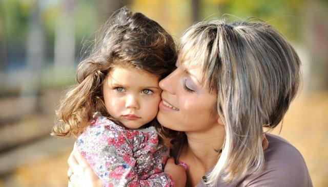 Kız çocuklarına rahim ağzı kanseri aşısı yaptırmaktan korkmayın!