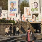 Güney Kore, gerilen siyasi iklimin gölgesinde seçime gidiyor